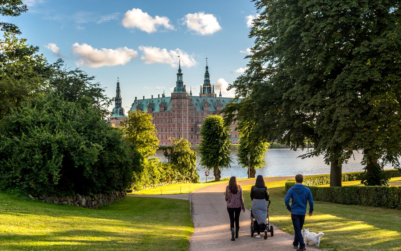 AWAYN IMAGE Explore the Frederiksborg Castle