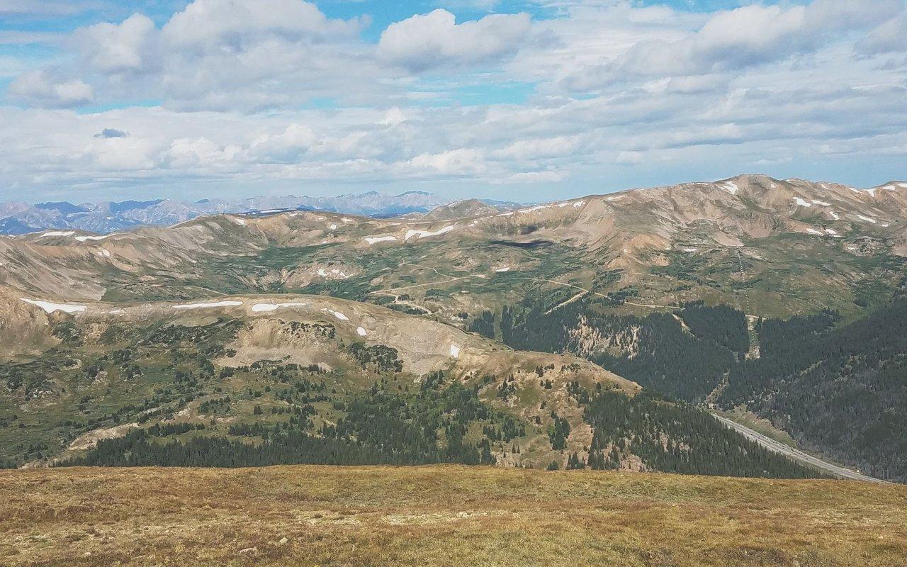 AWAYN IMAGE Sniktau Mountain Trail