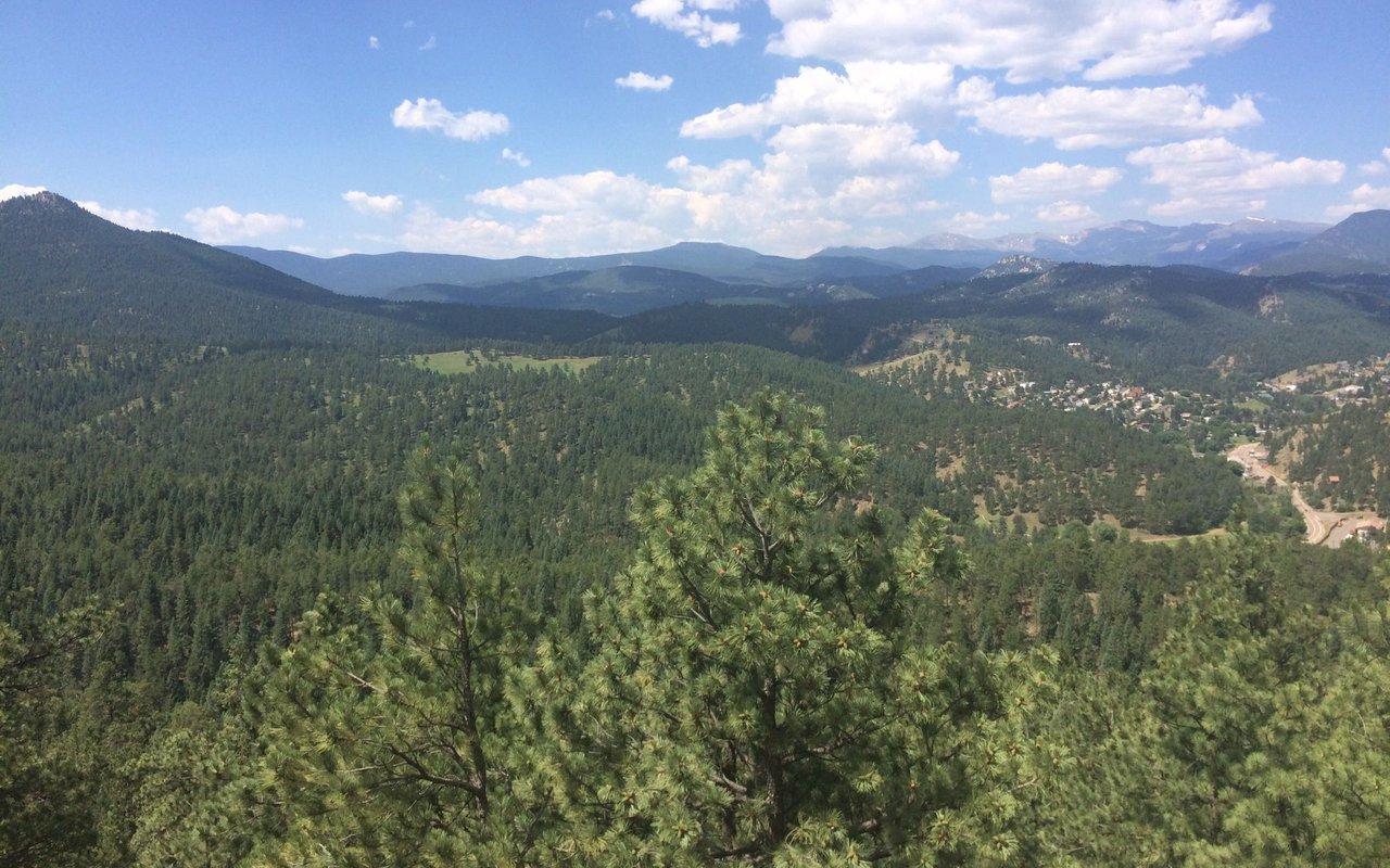 AWAYN IMAGE Panorama Point Trail / Corwina Park