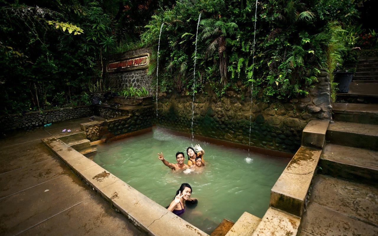 AWAYN IMAGE Soak In The Banjar Hot Springs