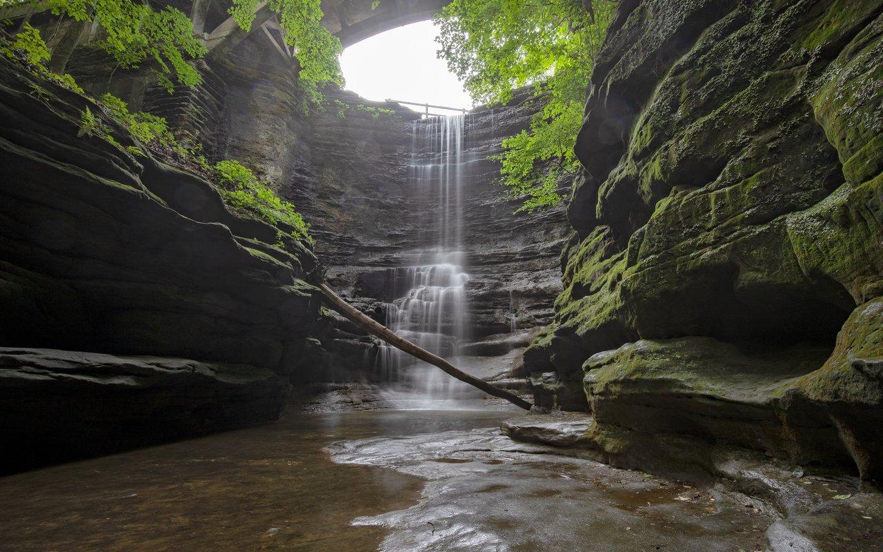 AWAYN IMAGE Hike around Matthiessen State Park