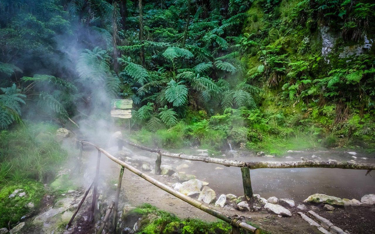 AWAYN IMAGE Natural springs Caldeira Velha