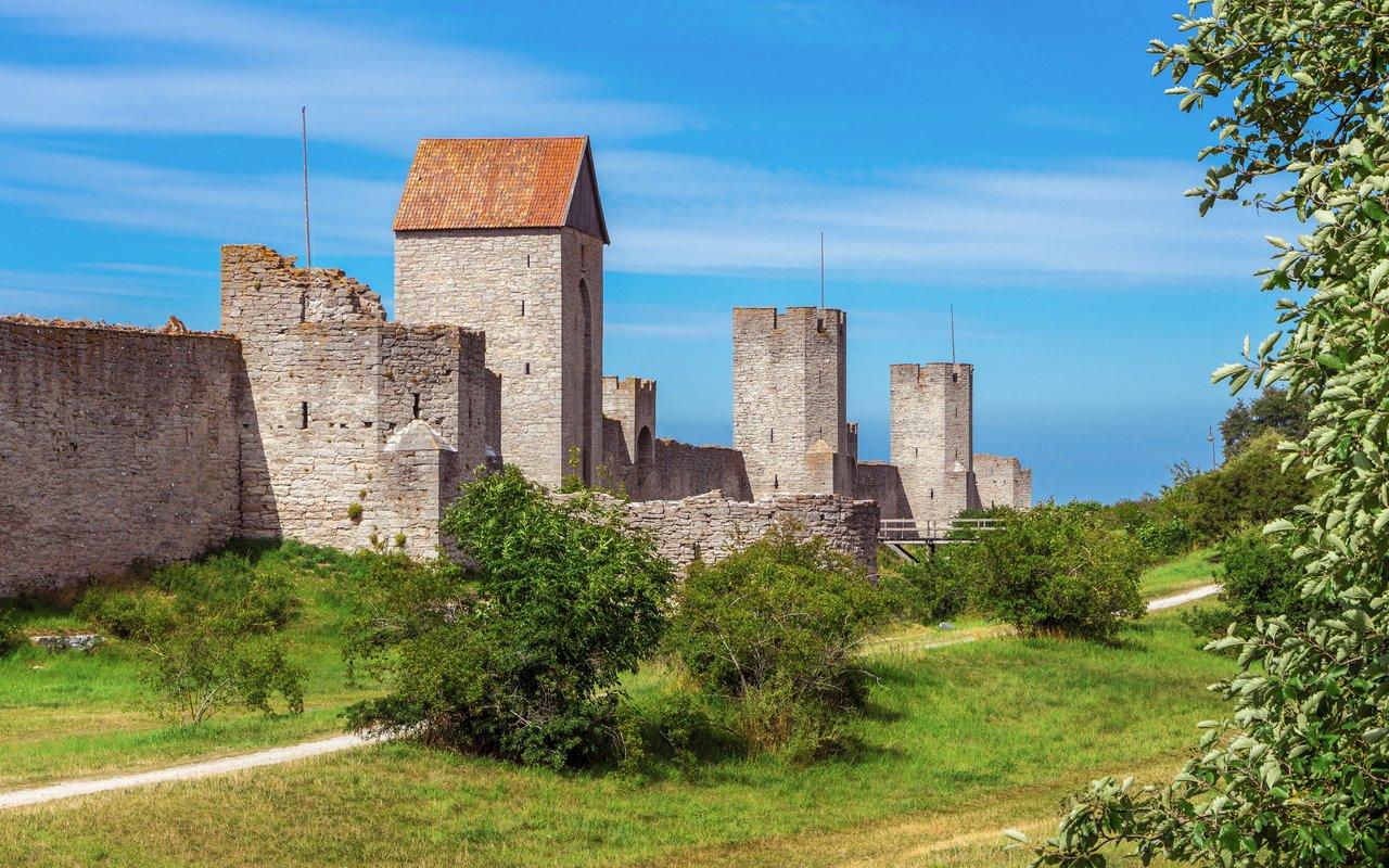 AWAYN IMAGE Visby City Wall