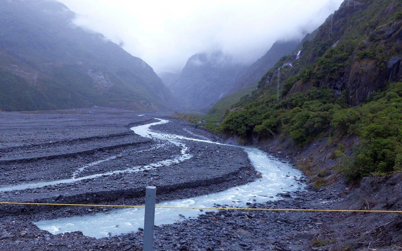 AWAYN IMAGE Franz Josef Glacier walk