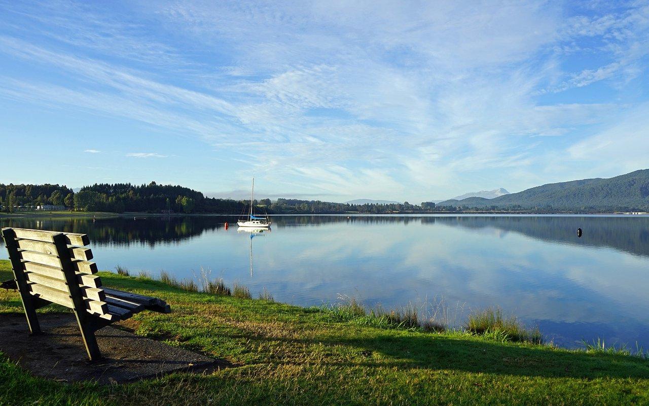 AWAYN IMAGE Kepler Track Trail Head Lake Te Anau walk