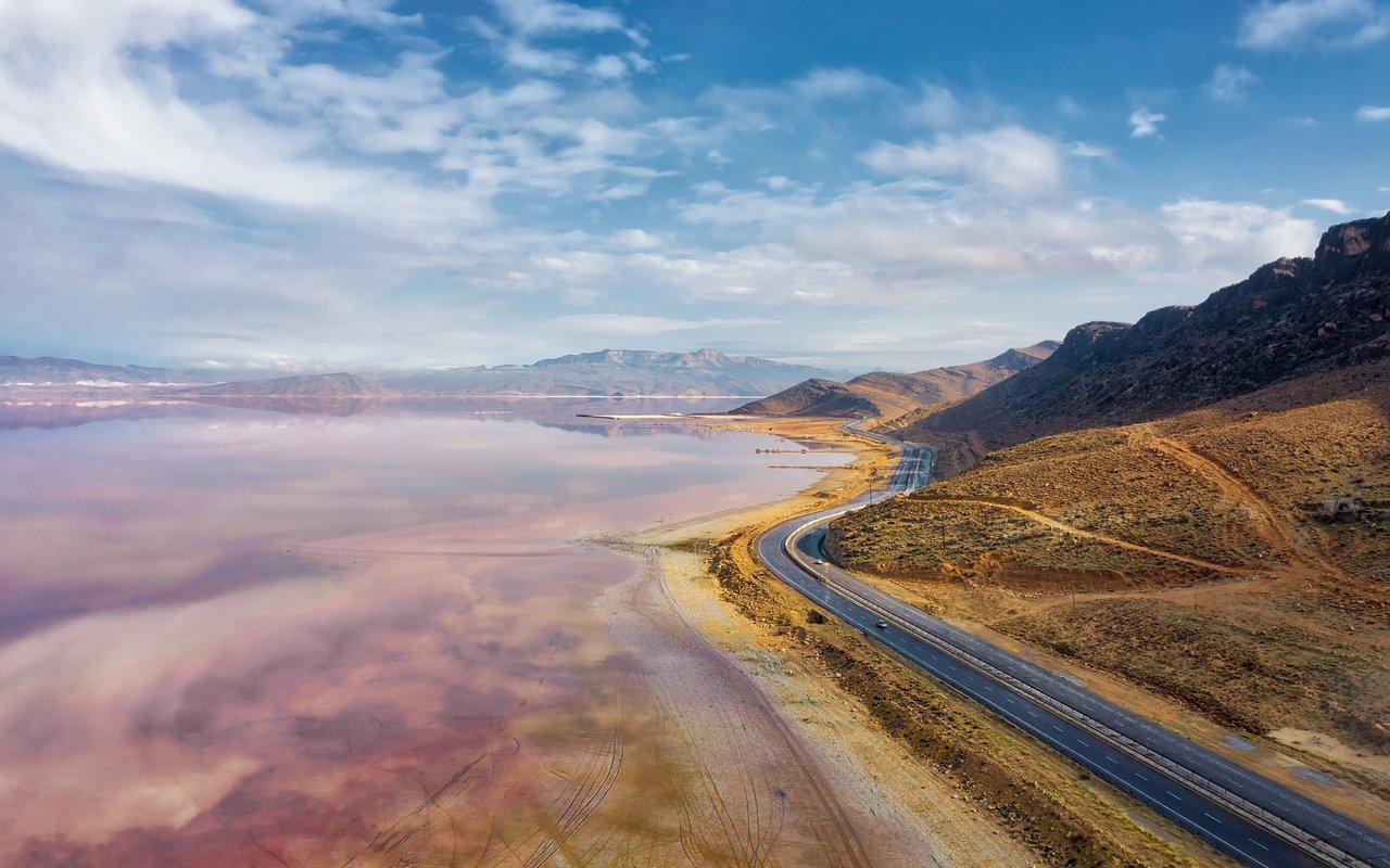 AWAYN IMAGE Maharloo Lake, Iran