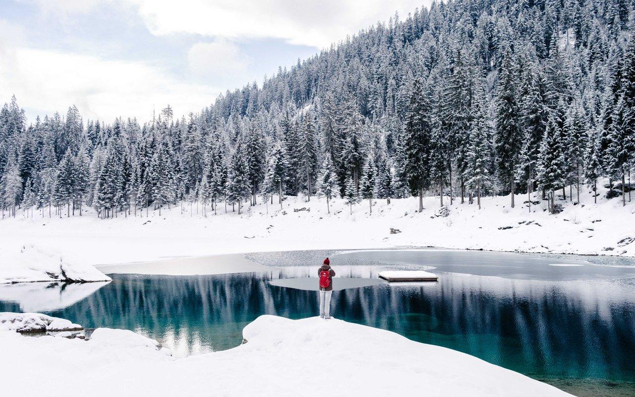 AWAYN IMAGE Graubünden Hike in Switzerland