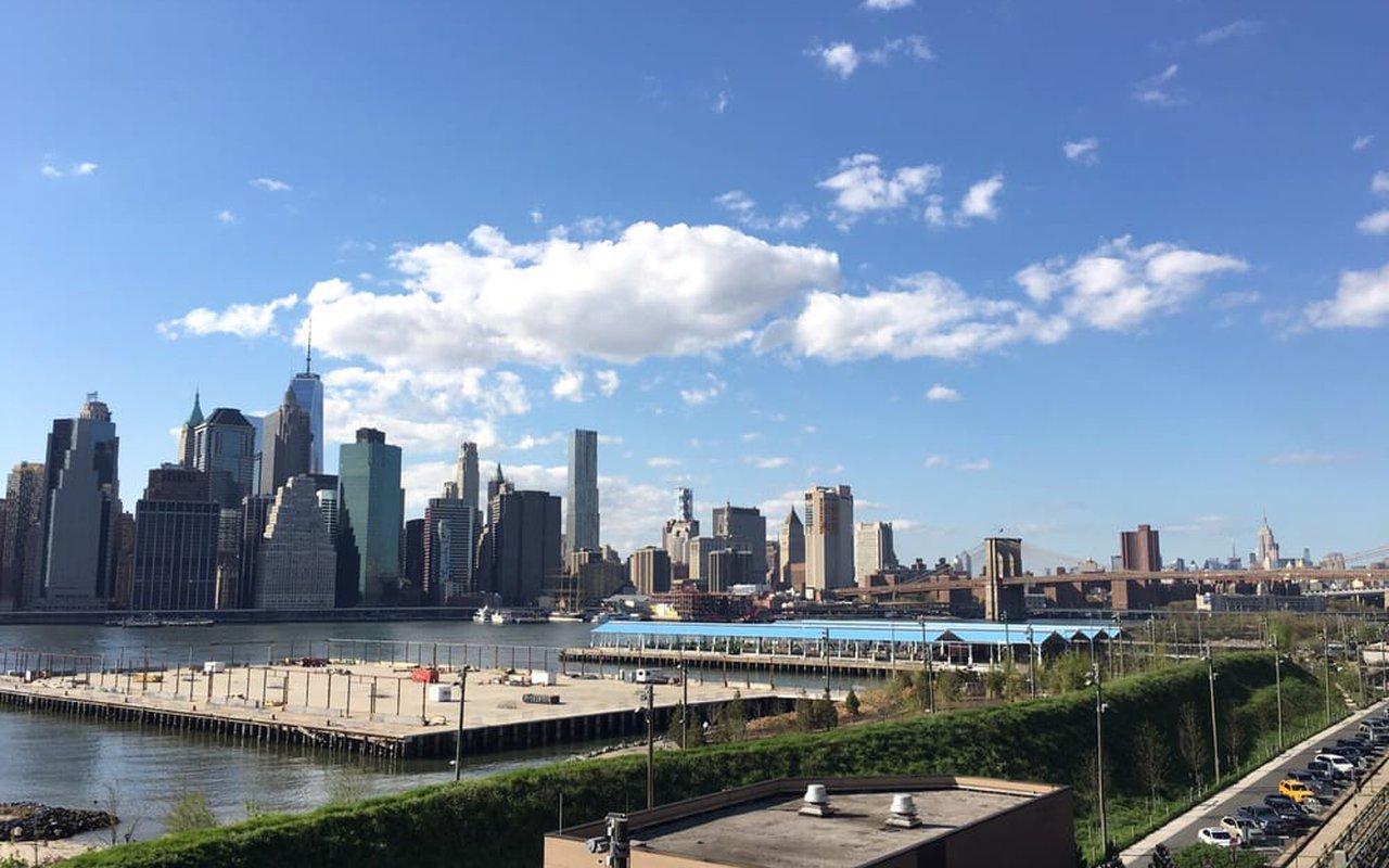 AWAYN IMAGE Brooklyn Bridge Park Pier 5