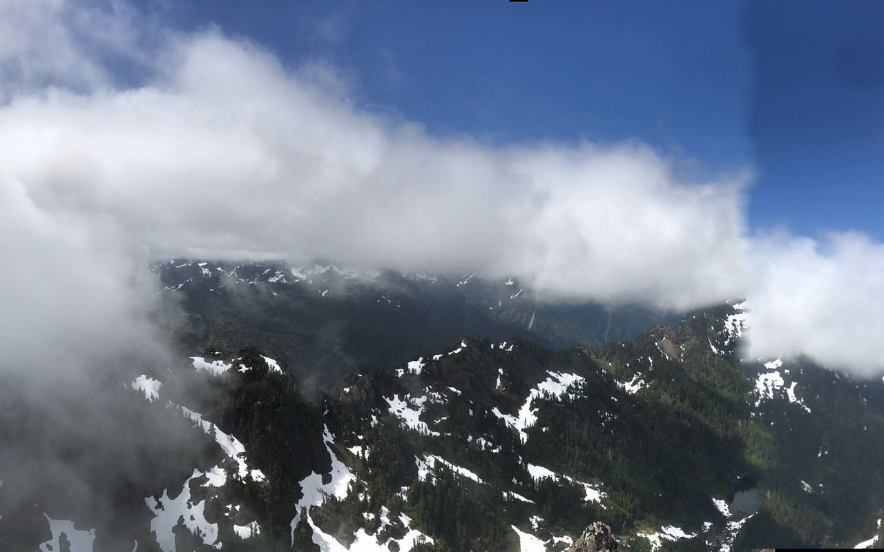 AWAYN IMAGE Mount Ellinor Trail