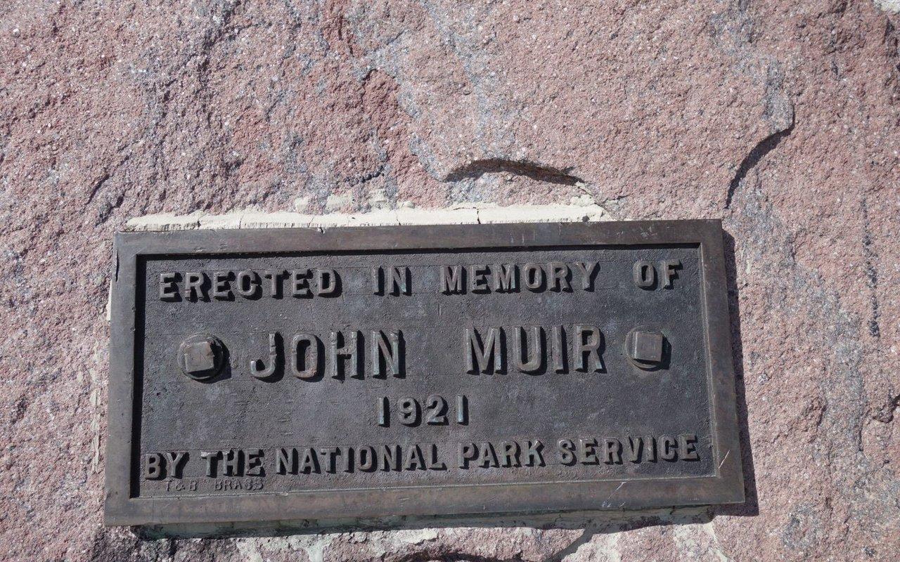 AWAYN IMAGE Camp Muir Route Via Skyline Trail