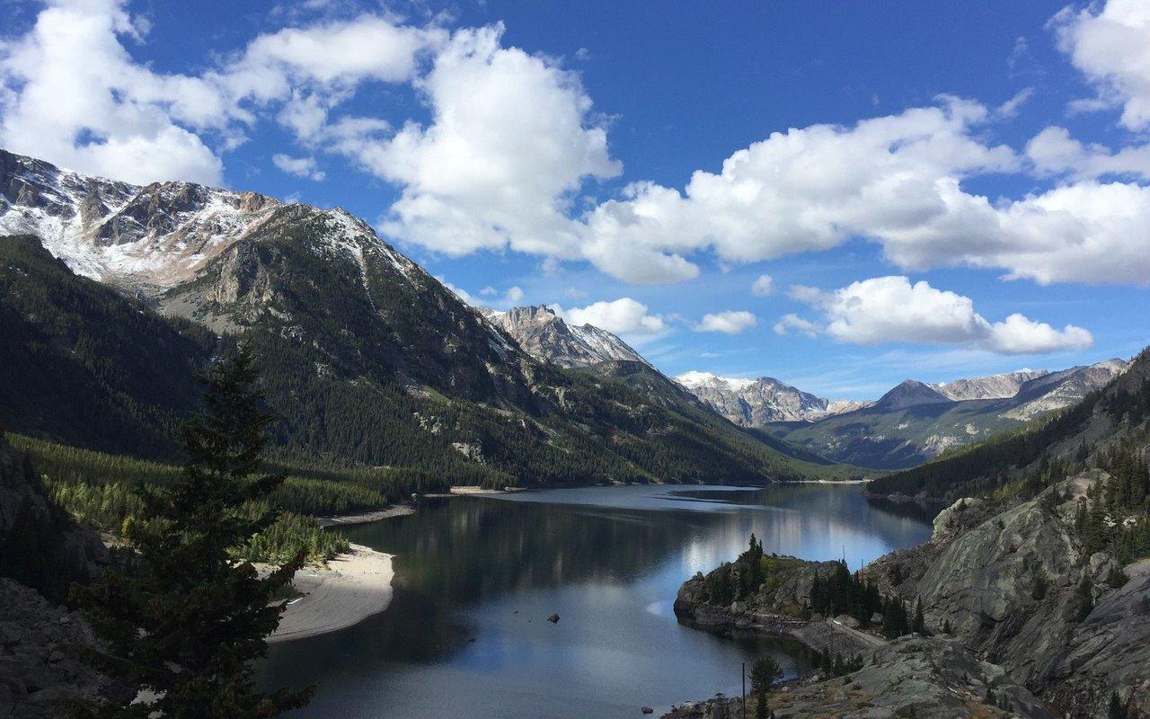 AWAYN IMAGE Mystic Lake Trail