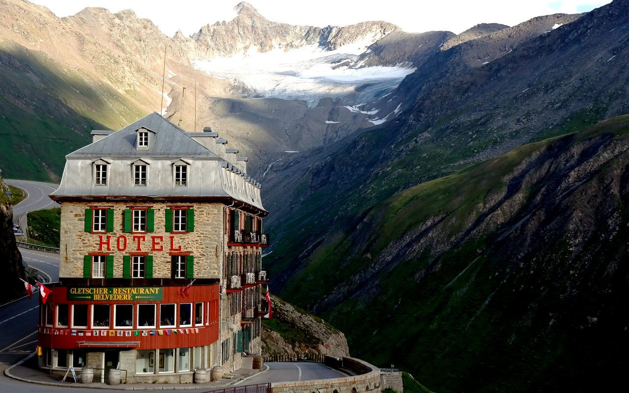AWAYN IMAGE Visit Belvédère Hotel: The abandoned jewel of the Swiss Alps