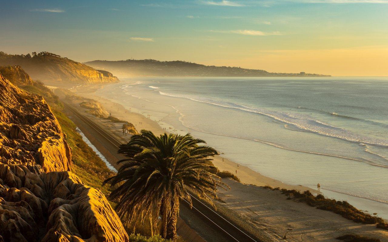 AWAYN IMAGE Surfing Ocean Beach, San Diego