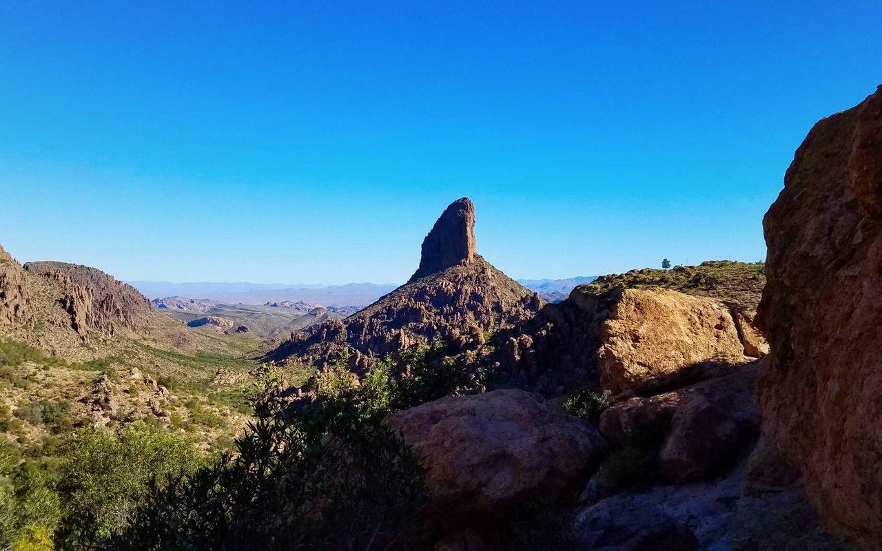 AWAYN IMAGE Hiking and backpacking the Peralta Trail in Gold Canyon, Arizona