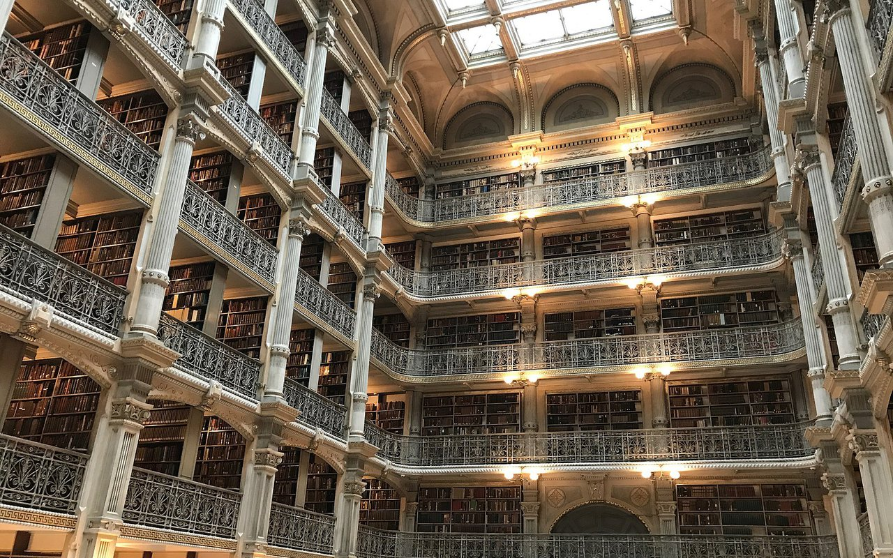 AWAYN IMAGE Visit to George Peabody Library