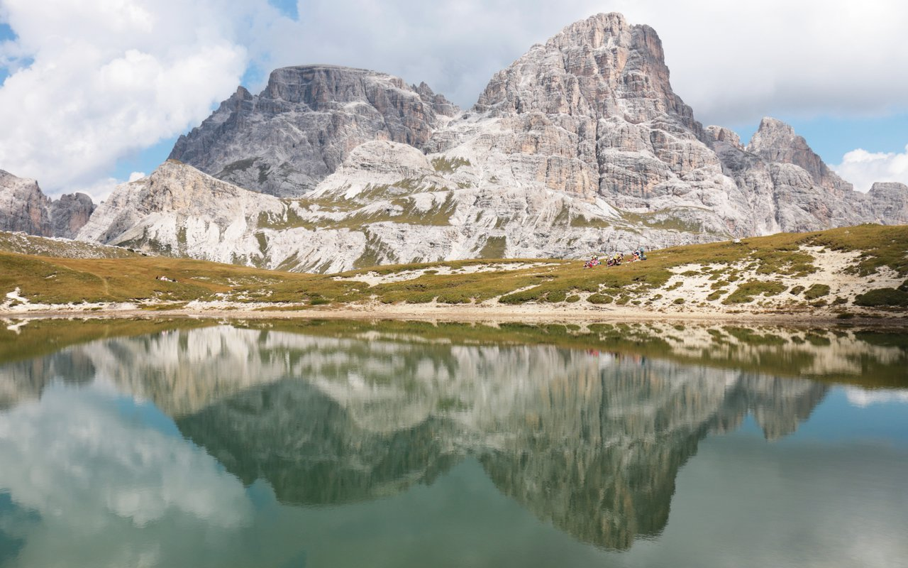 AWAYN IMAGE Hike to Three peaks of Lavaredo, Auronzo di Cadore
