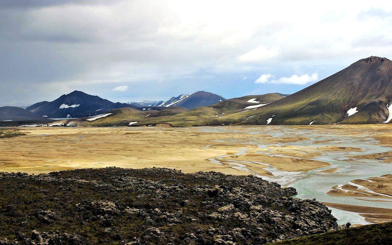 AWAYN IMAGE Hike to Alftavatn