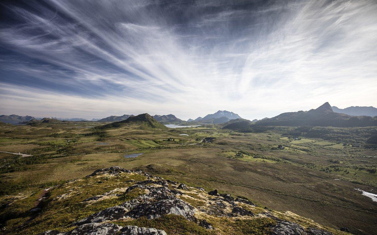 AWAYN IMAGE Lofoten Archipelago in Norway