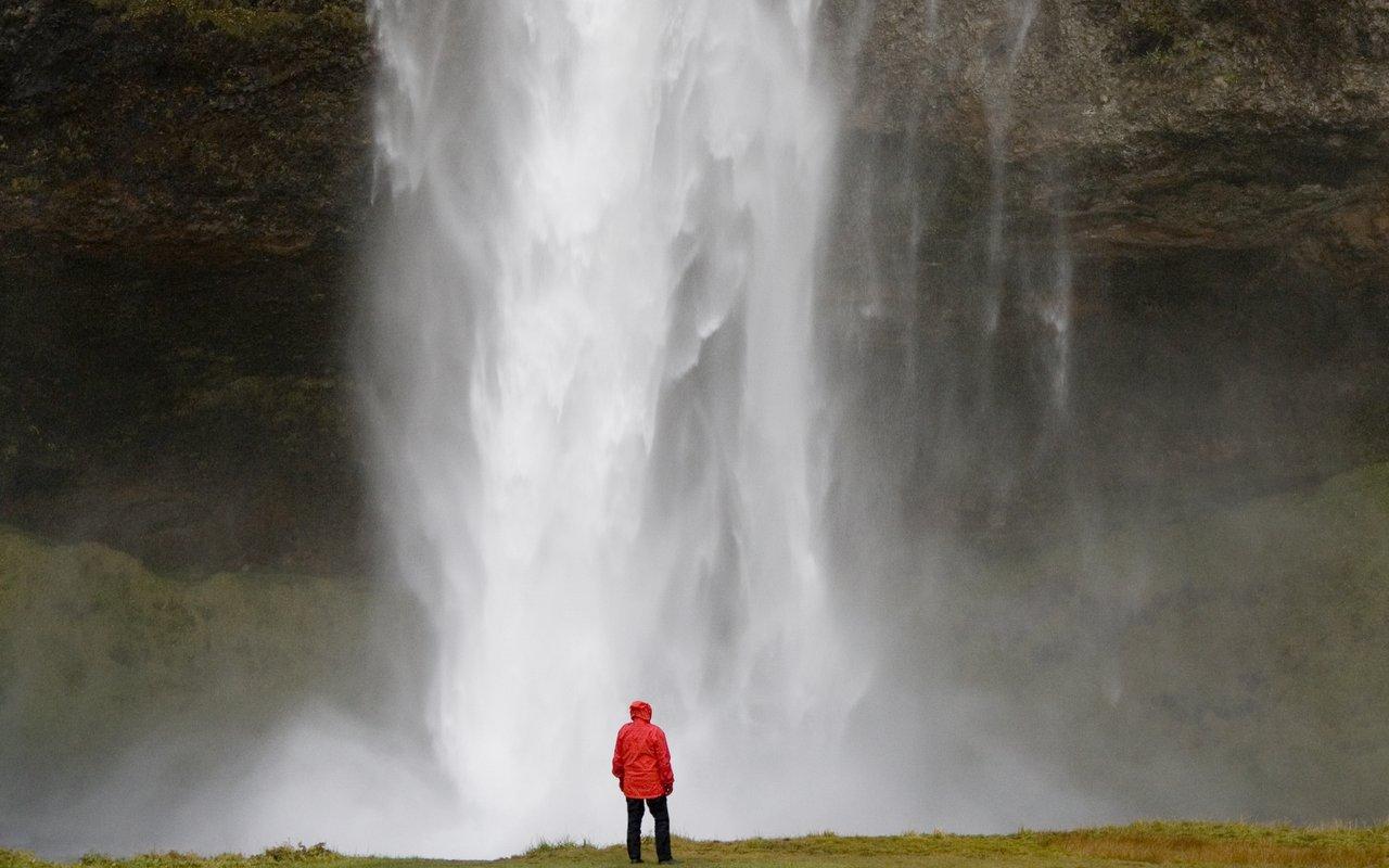 AWAYN IMAGE Seljalandsfoss Kvernufoss Water Fall