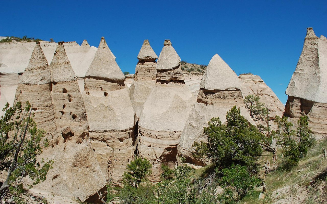 AWAYN IMAGE Kasha-Katuwe Tent Rocks National Monument Hike