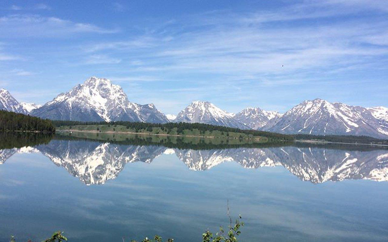 AWAYN IMAGE Grand Teton National Park Hike