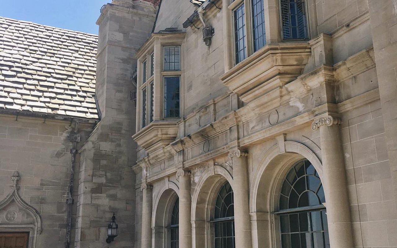 AWAYN IMAGE Greystone Mansion & Gardens - The Doheny Estate