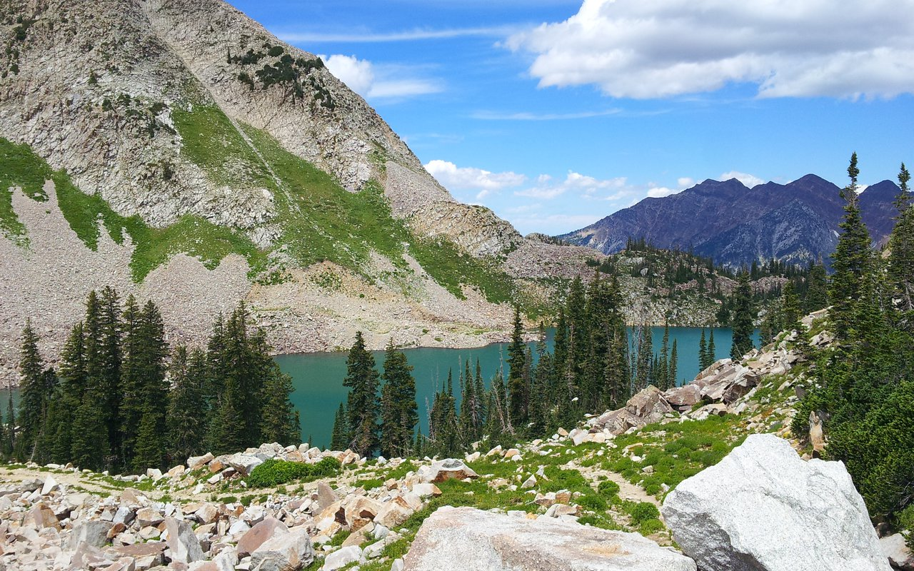 AWAYN IMAGE Red Pine Lake