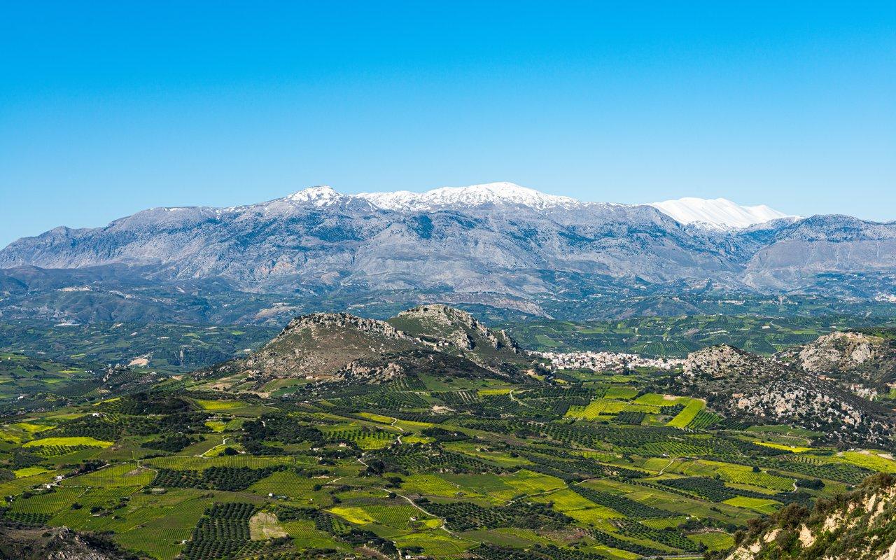 AWAYN IMAGE Hike to the top of Psiloritis from Nida Plateau