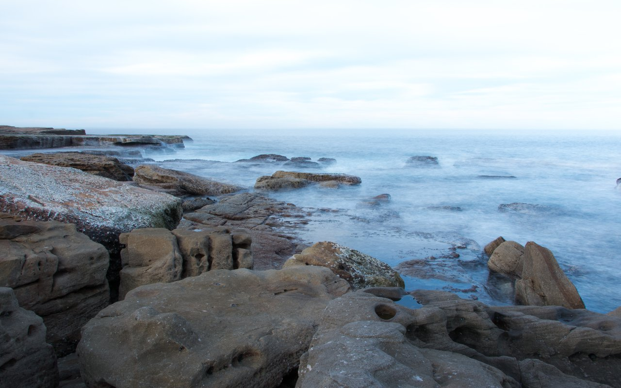 AWAYN IMAGE Walk around Mahon Pool, Maroubra