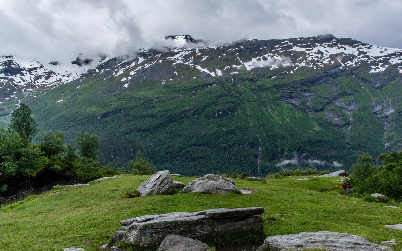 AWAYN IMAGE Get a view of Geiranger Fjord