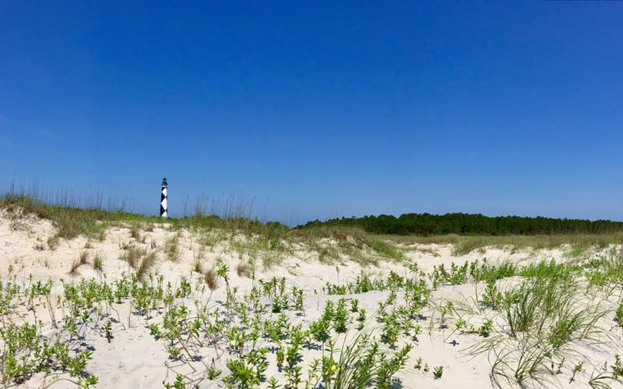 AWAYN IMAGE Hike in Cape Lookout National Seashore