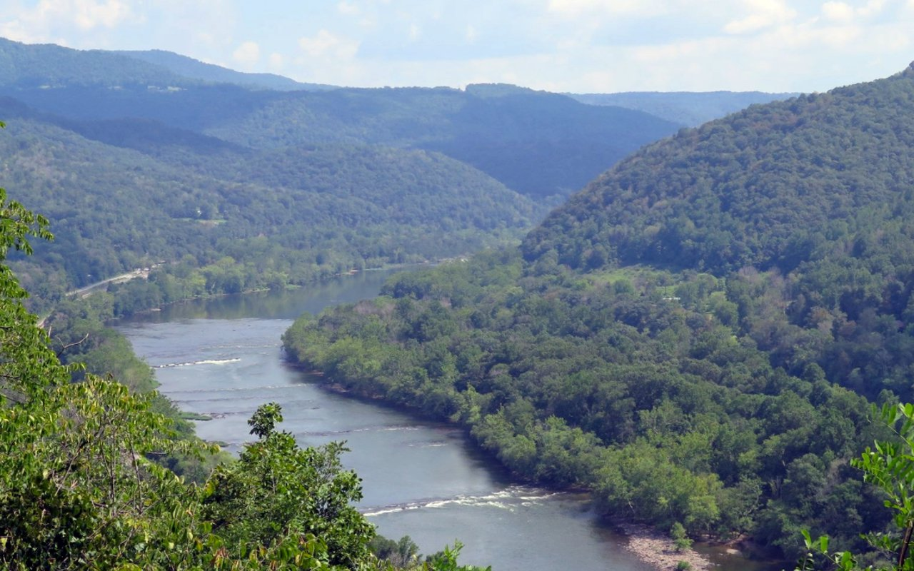 AWAYN IMAGE Whitewater Rafting and Ziplining at the New River Gorge