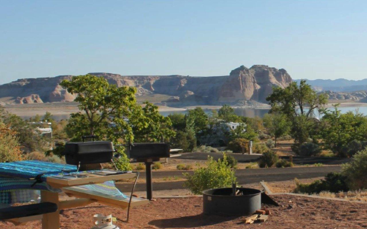 AWAYN IMAGE Wahweap Campground in AZ