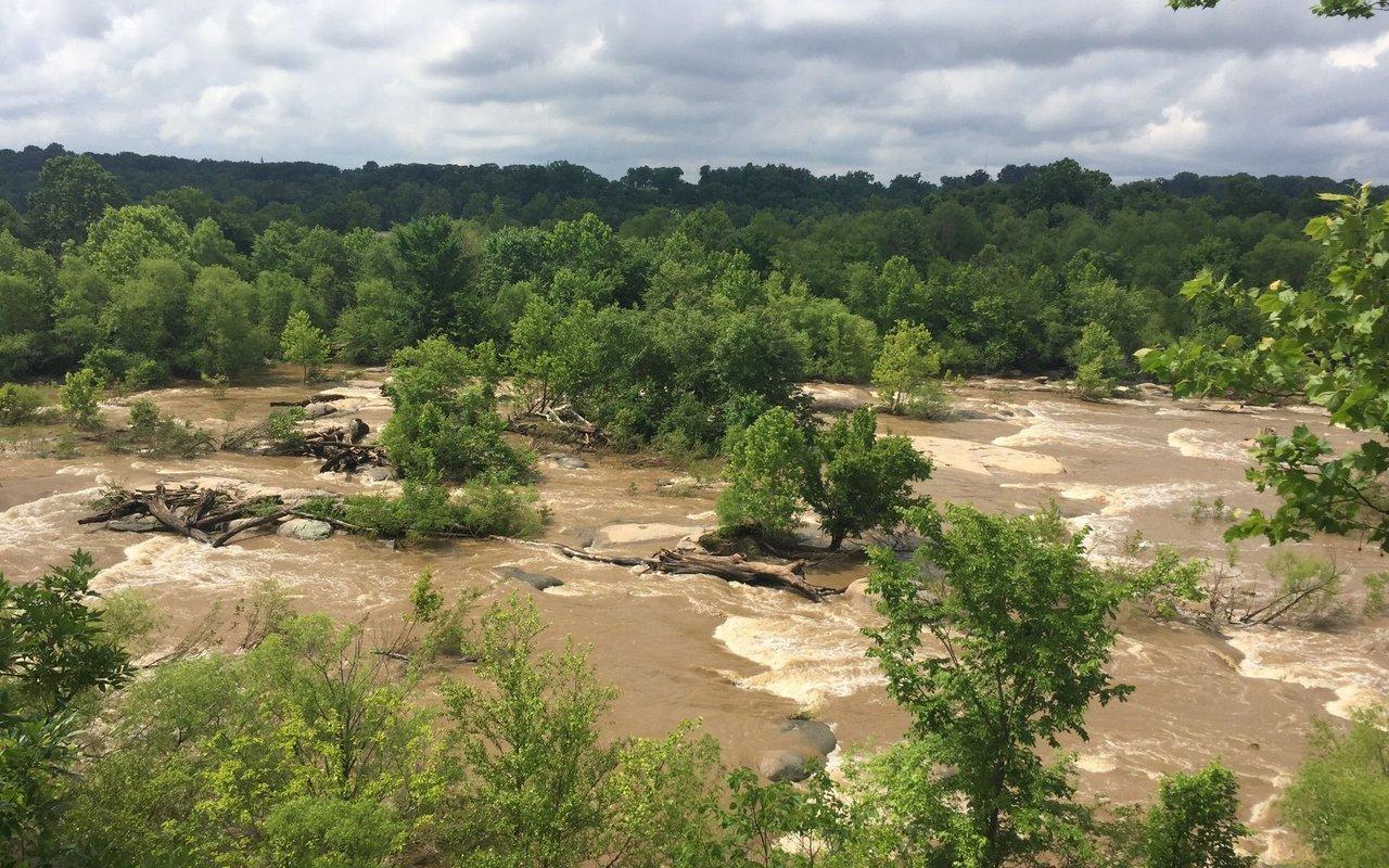 AWAYN IMAGE Roanoke Mountain via James River hikeup!