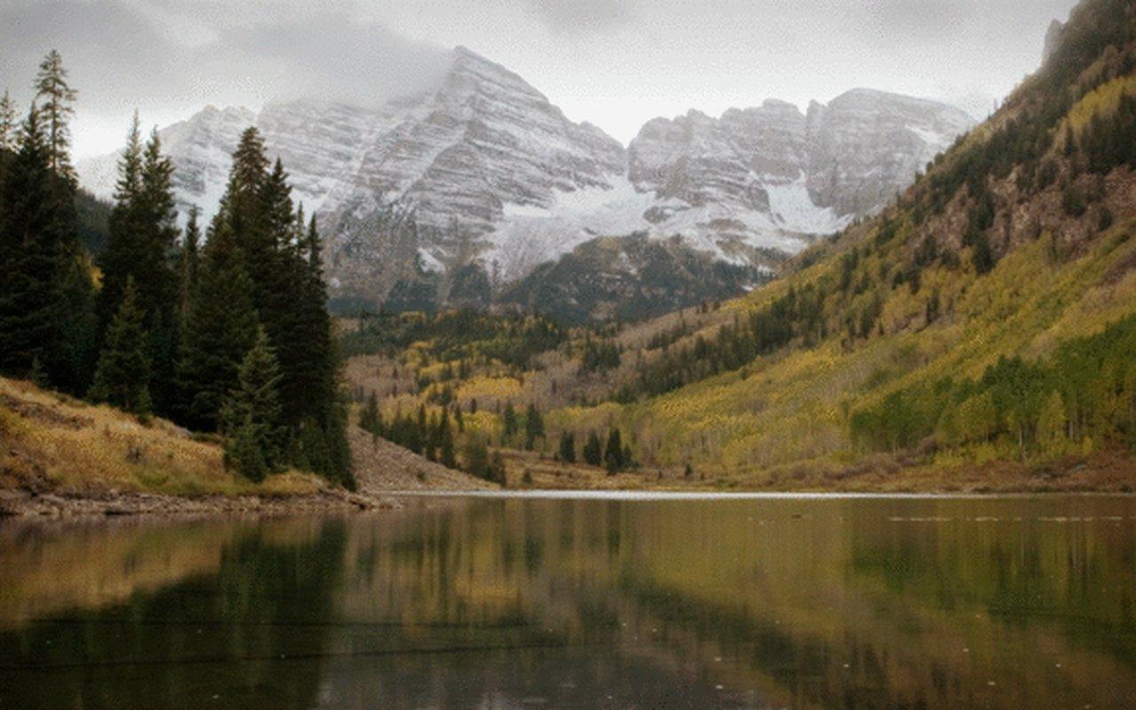 AWAYN IMAGE Maroon Lake Scenic Trail