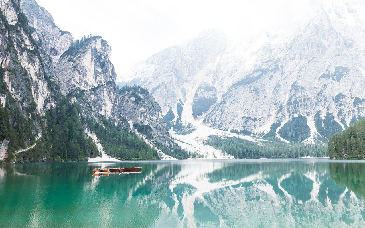 AWAYN IMAGE Hike to Pragser Wildsee (Lake Prags)