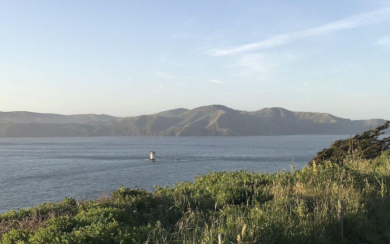 AWAYN IMAGE Lands End Trail