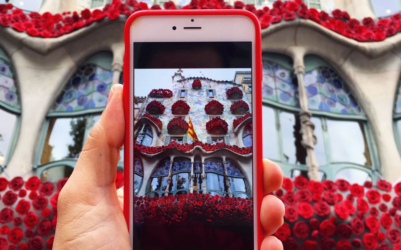 AWAYN IMAGE Photograph the Casa Batlló