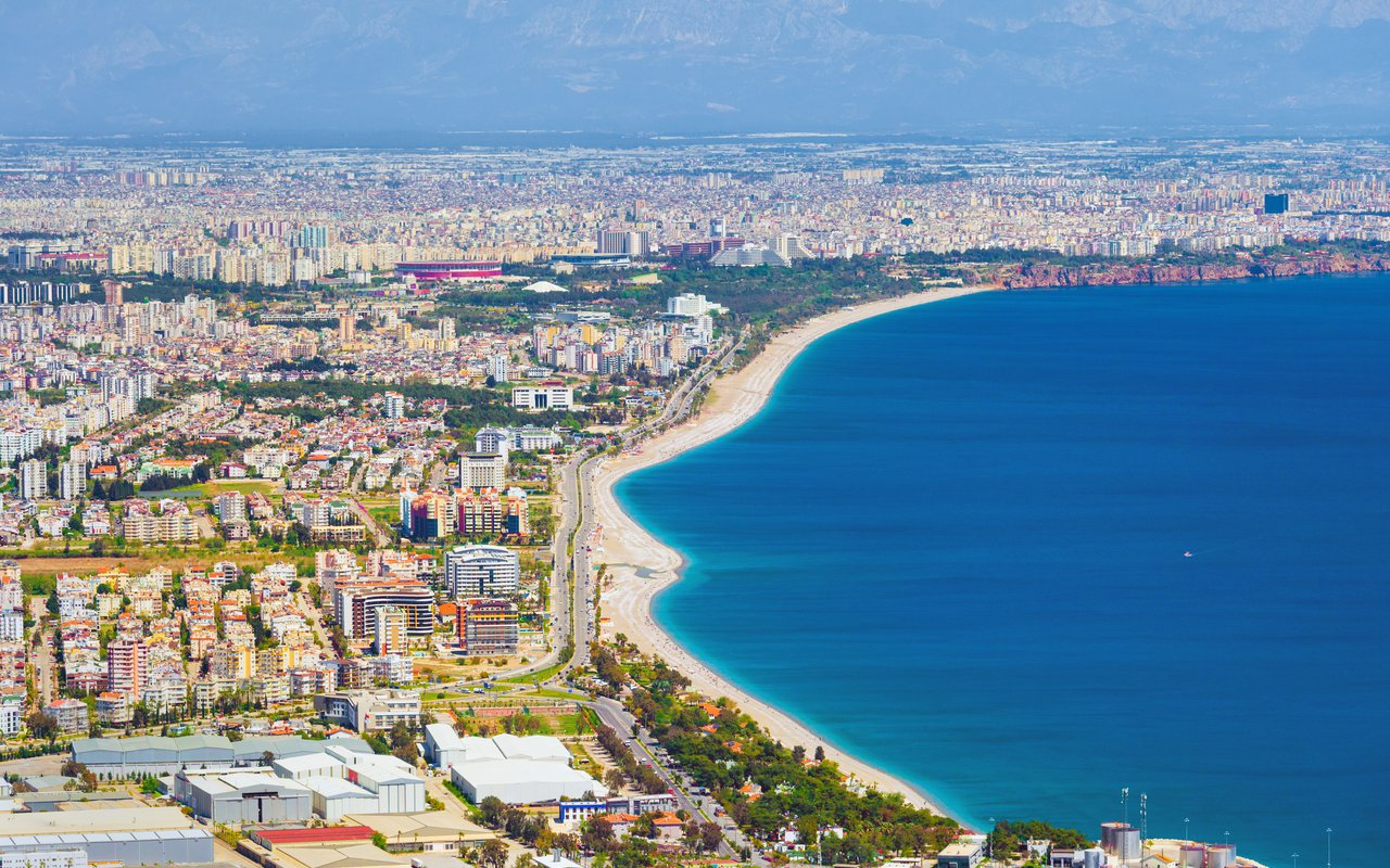 AWAYN IMAGE Beach day at Konyaaltı