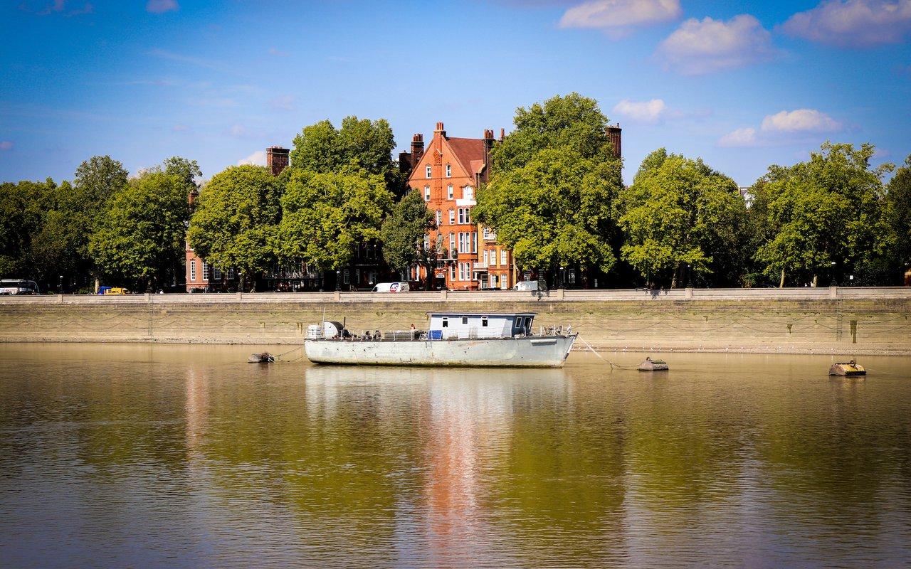 AWAYN IMAGE Battersea Park, Battersea