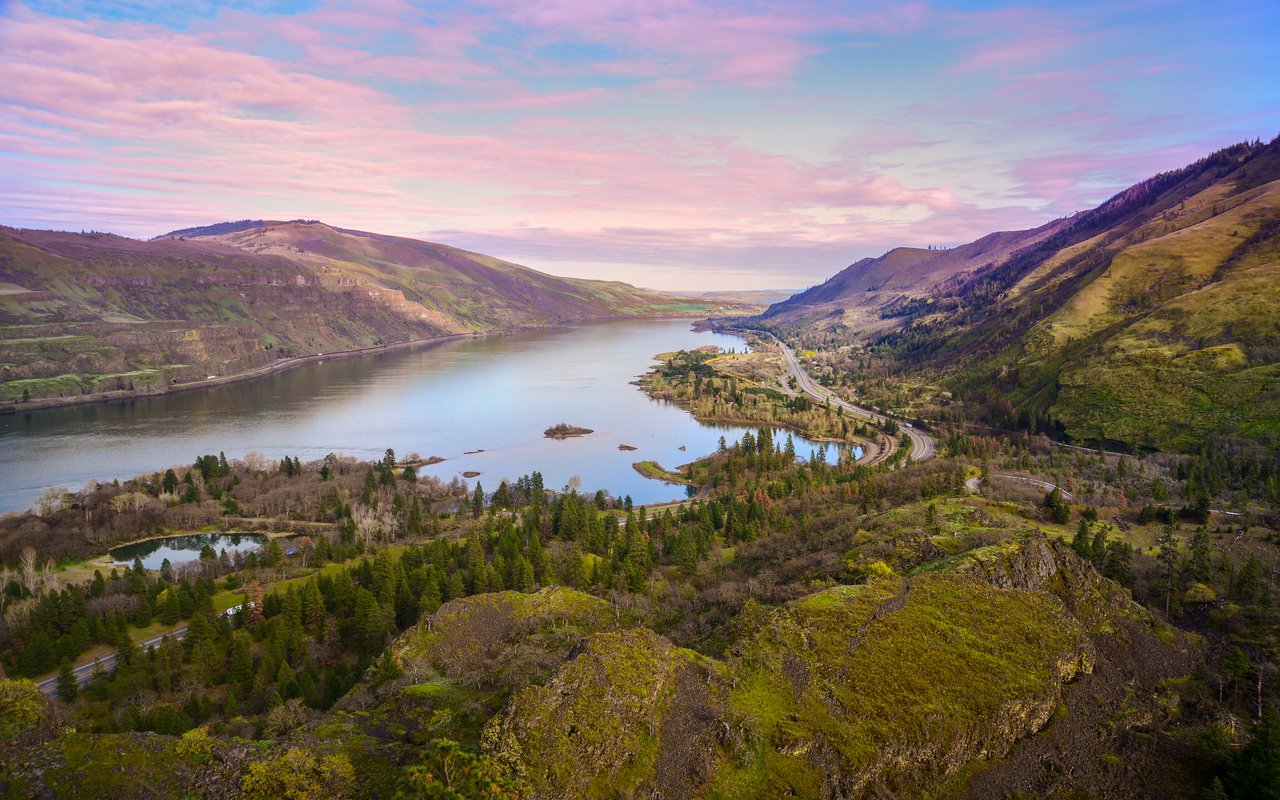 AWAYN IMAGE Rowena Crest Viewpoint