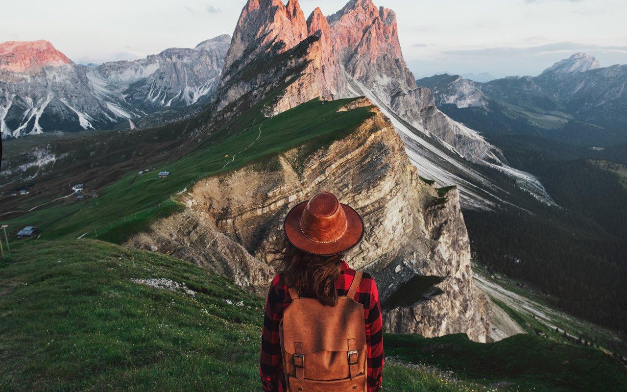 AWAYN IMAGE Hiking Seceda in Val Gardena