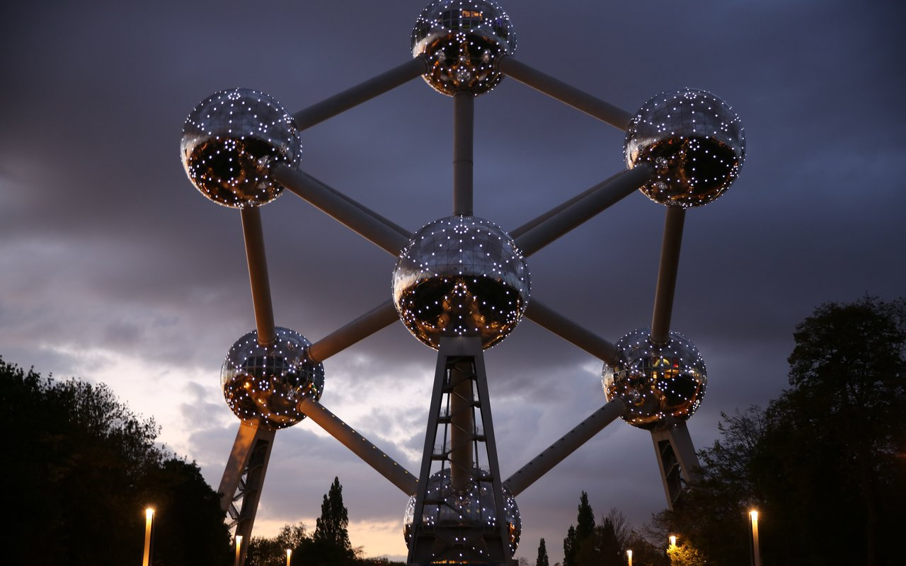 AWAYN IMAGE Unique and Spectacular View of the Atomium Brussels