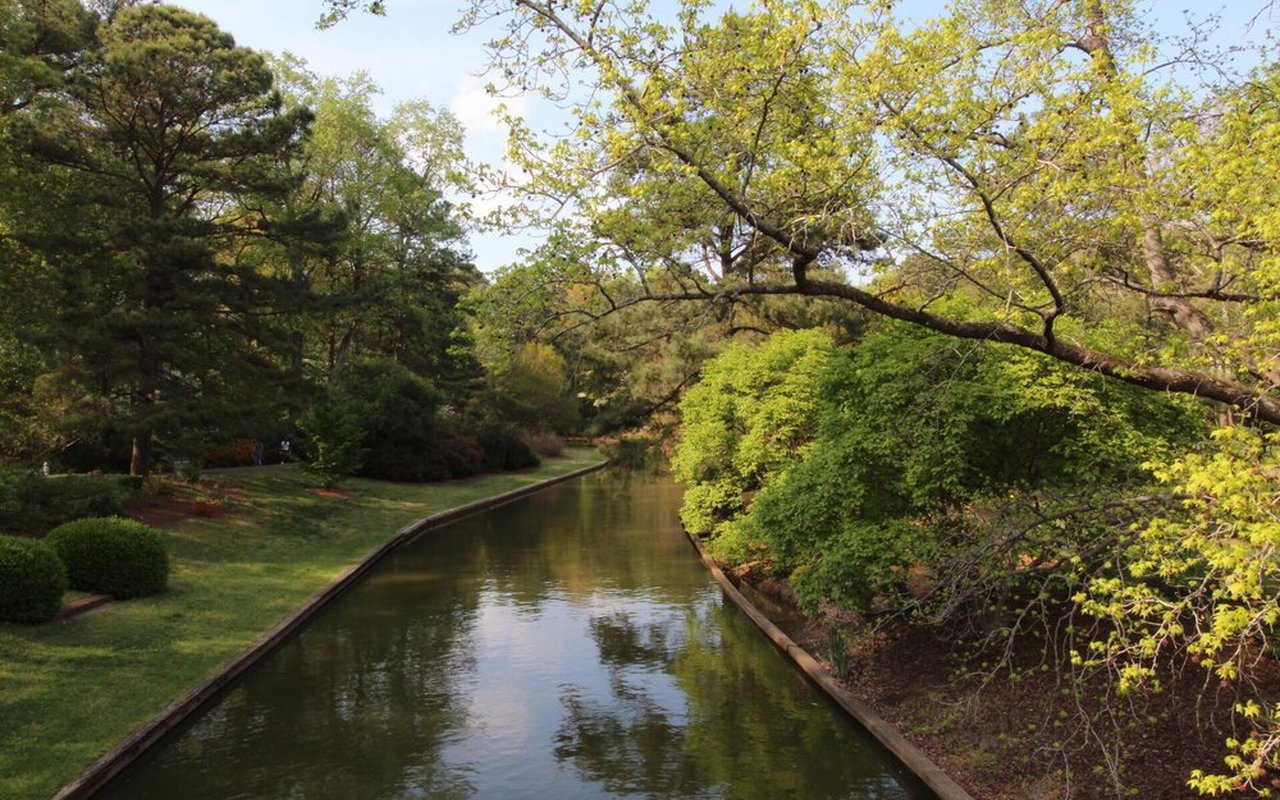 AWAYN IMAGE Norfolk Botanical Gardens