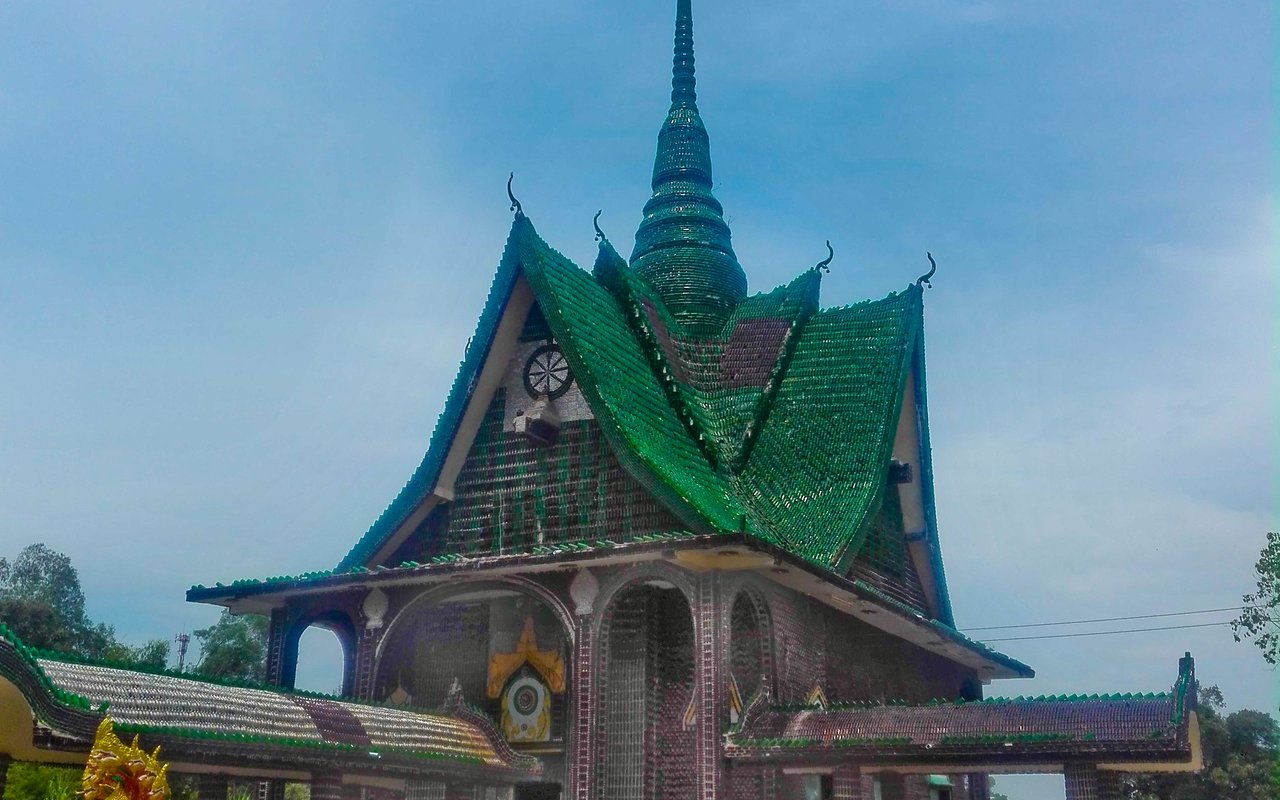 AWAYN IMAGE Million Bottle Temple