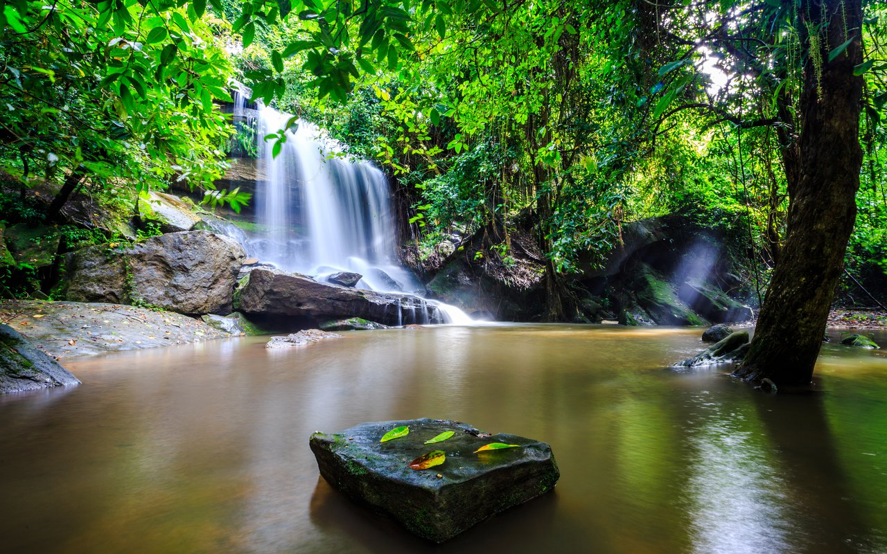 AWAYN IMAGE Explore the Samrong Kiat Waterfall