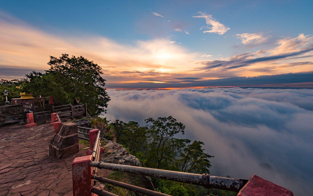 AWAYN IMAGE Visit Khao Phra Viharn National Park
