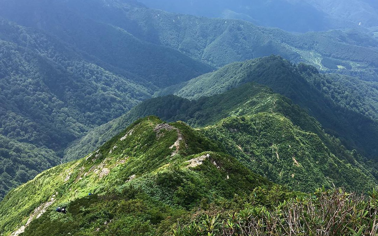 AWAYN IMAGE Hike and Climb Canyon Daigenta