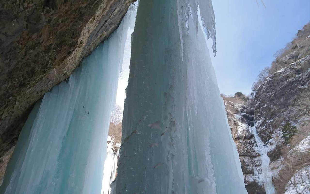 AWAYN IMAGE Ice climbing Unryu Valley 雲竜渓谷
