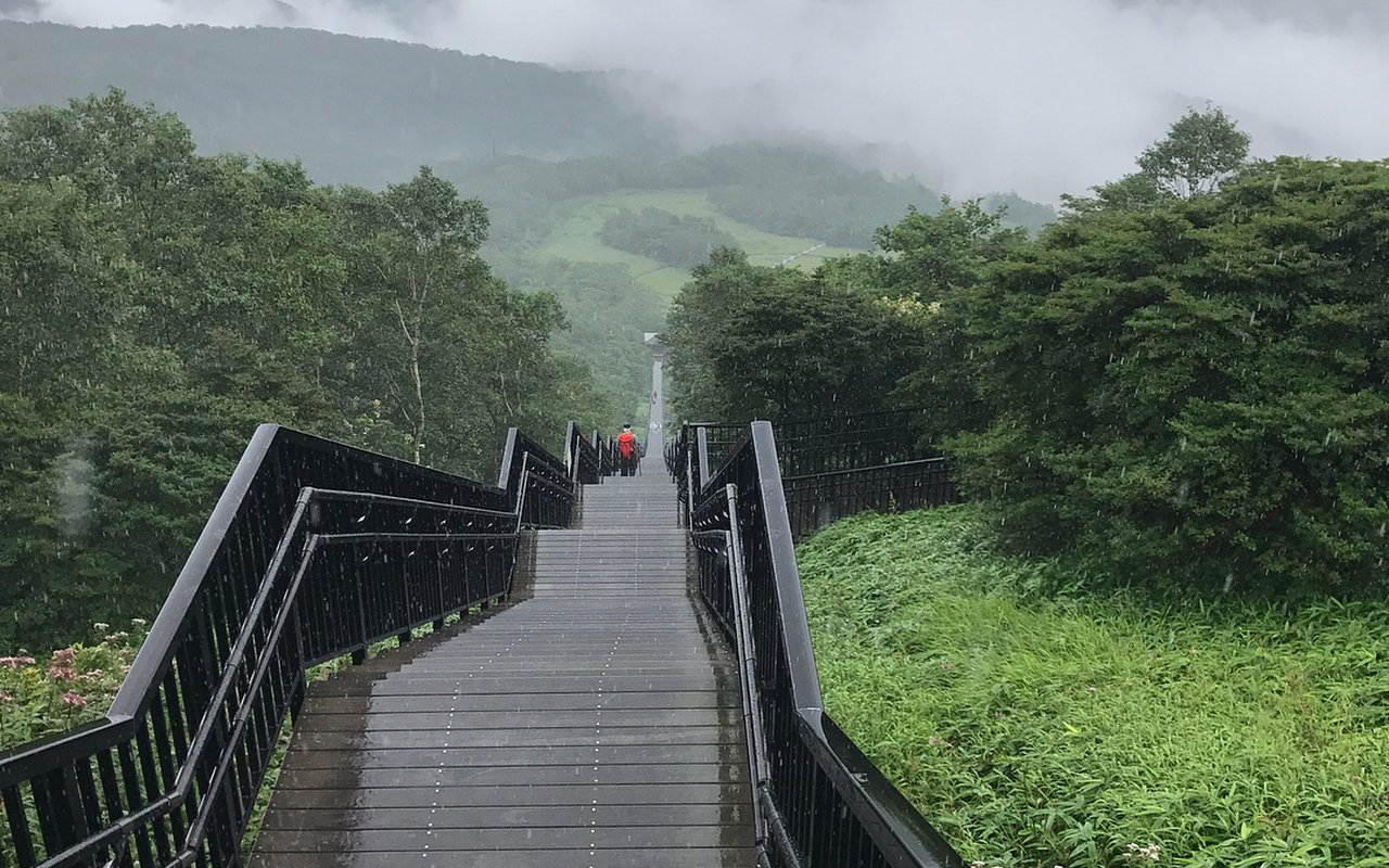 AWAYN IMAGE Hike up to Mt.Nyoho